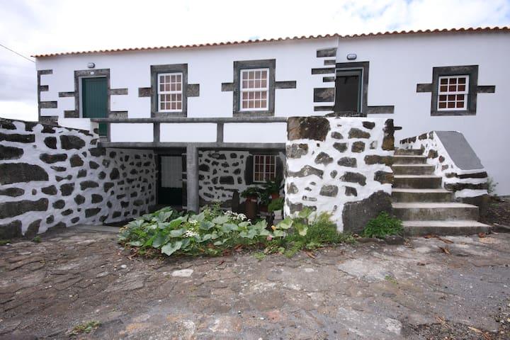 Casa da Figueira - Azores - Byt