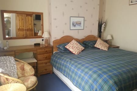 King or Twin room in Guest House - Weymouth