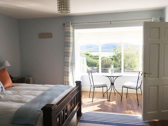 Stunning Views ,Boutique  accomodation,Kinvara.