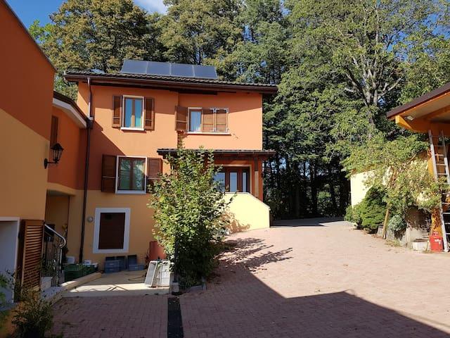 Rustica casa di campagna nel verde di Lugano