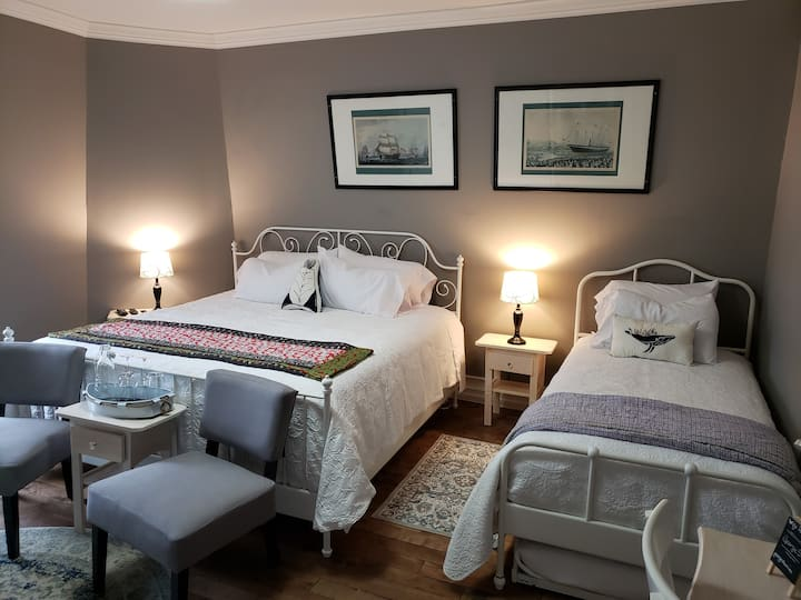 Georgestown Inn Beth Bubble Rm w Ensuite-sleeps 4!