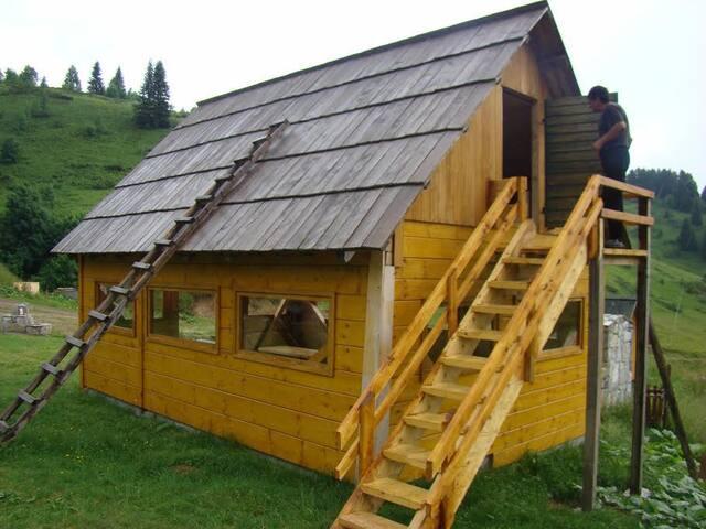 Eco village Kolibe Damjanovica, 12 persons cabin