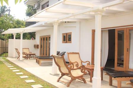 BoBo's Bed & Breakfast, Ahungalle, Sri Lanka