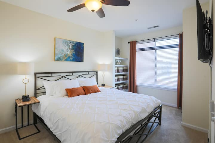 Mins to Capitol Hill♛Free Parking♛Corporate Suite