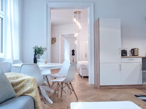 ♡ Stunning Viennese Apartment ♡ perfect location