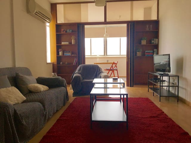 Down town Nicosia apartment 1 bedroom Wifi/CableTV - Nicosia - Byt