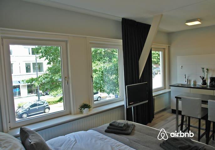 Studio appartement met keuken vlakbij het centrum