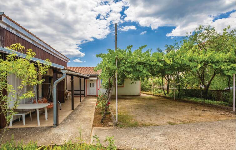 Holiday cottage with 3 bedrooms on 59m² in Garica