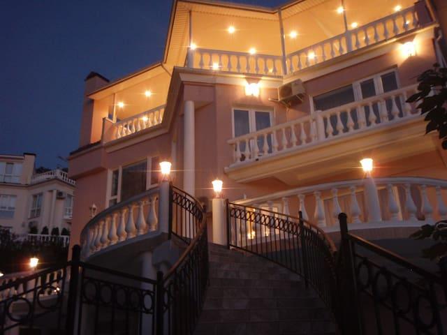 Luxury Sochi Villa - Lazarevskiy - Villa