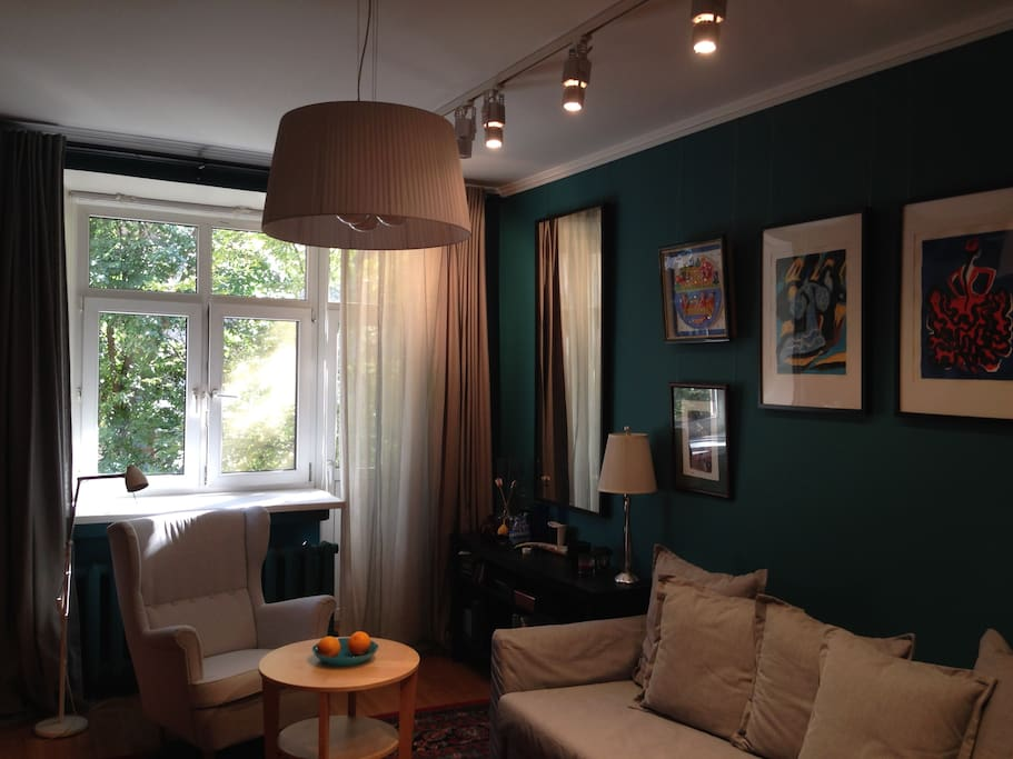18 sqm Blue bedroom/drawing room with a balcony