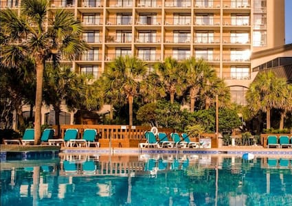 Cozy Oceanfront Beach Cove Hideaway - North Myrtle Beach - Appartement en résidence