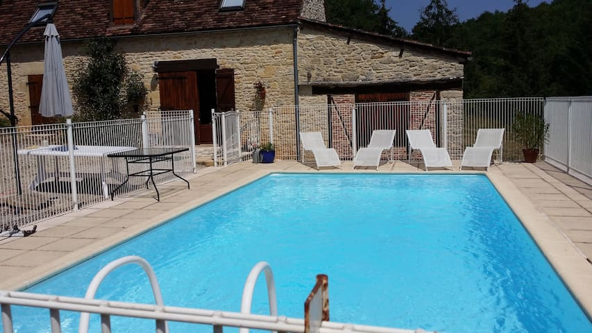 Piscine PRIVEE  8 par 4