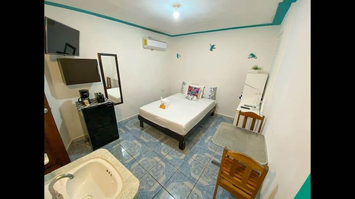 Paso Del Sol #3 Small, budget room, no windows