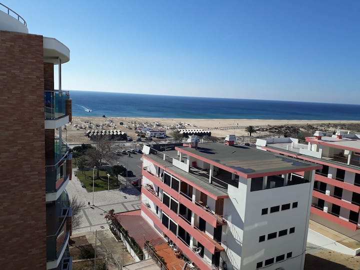 APARTMENT BY THE SEA IN MONTE GORDO