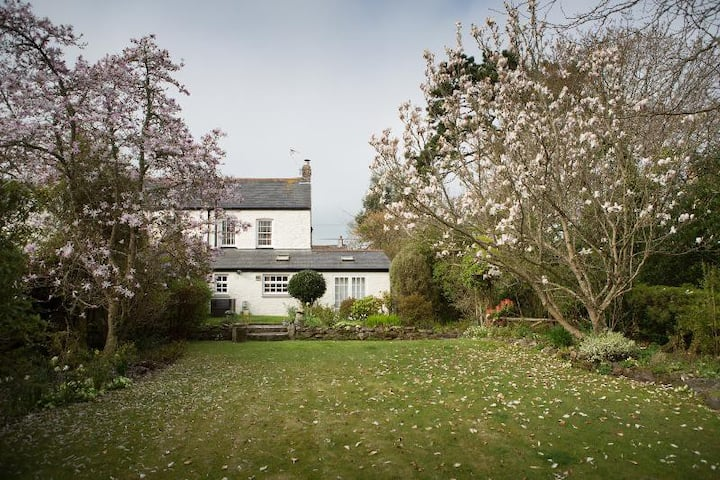 Spacious village cottage with great garden
