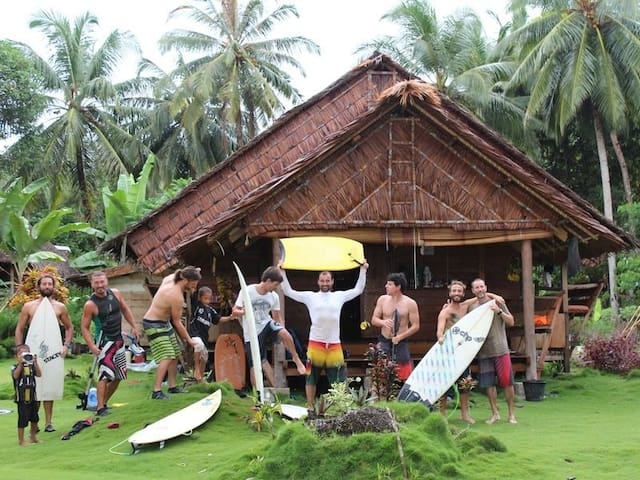 Sabbit Mentawai Surfcamp + Surf Boat all inclusive