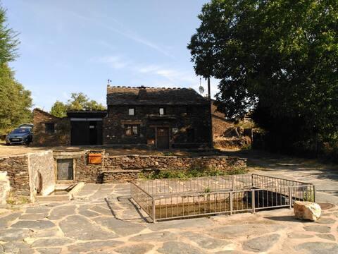 Casa singular en Robleluengo