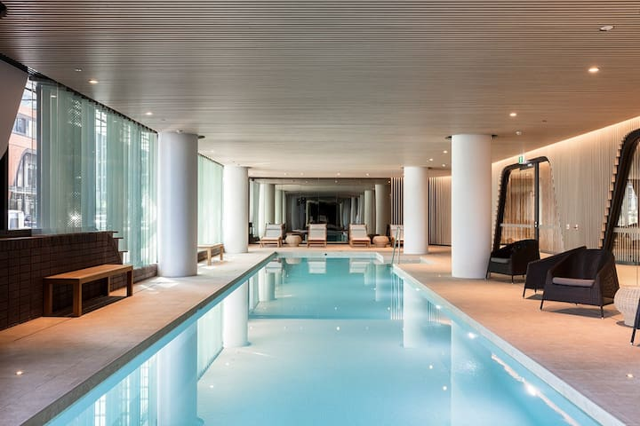 墨尔本CBD海港高级公寓免费泳池健身桑拿宽带24小时入住免费电车区机场接送住满3天包早餐
