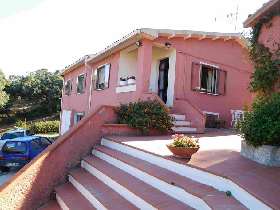 Villa grazia maisons louer luras sardegna italie - Maison provinciale rustique campagne svetti ...