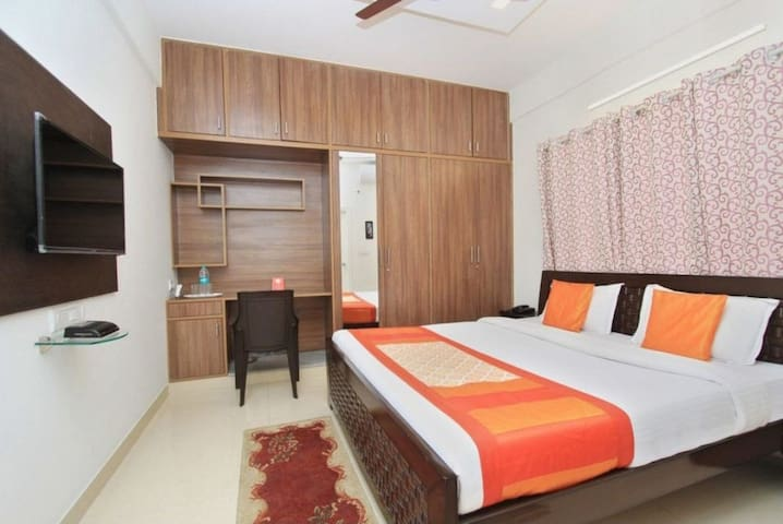 Luxurious 3bhk apartment for Birthday/Bachelors