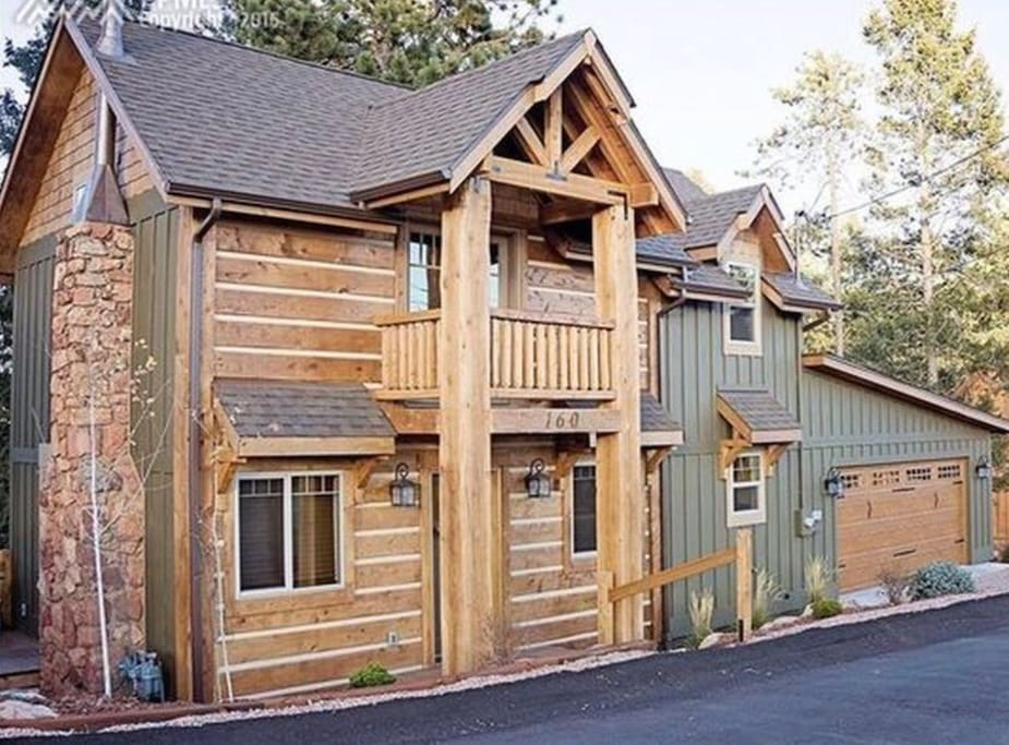 Welcome to Mountain Paradise Cabin in Beautiful Woodland Park, Colorado