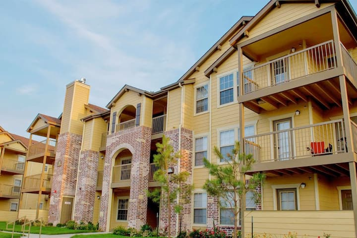 Spacious 2bdrm in Upscale Community in Tulsa
