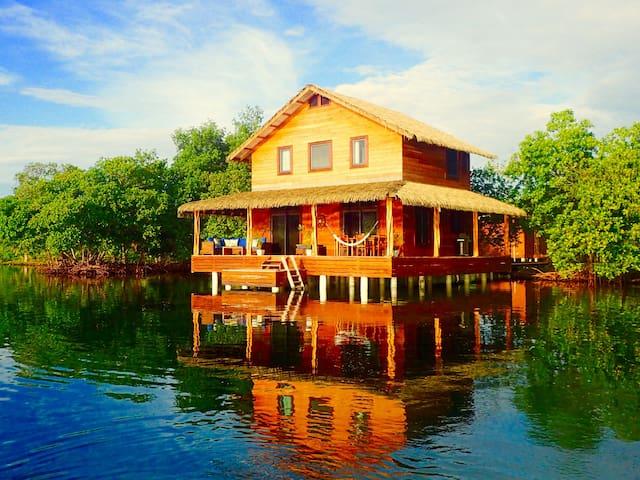Casita del Mar 'Over the water' Villa