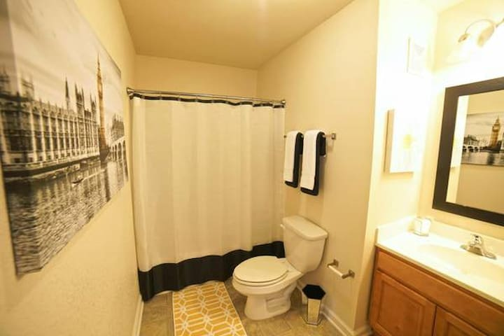 West Lawrence Accommodations - Lawrence