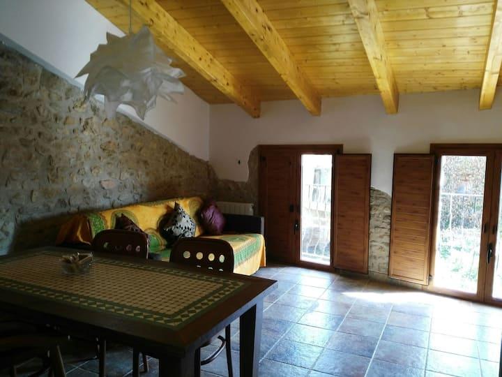 Encantadora Casa Centenaria de Piedra 3-C