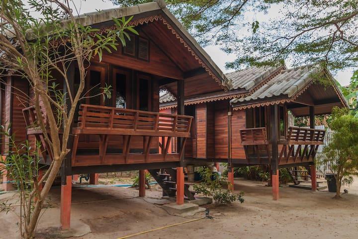 Two Person AC Bungalow, Sabaii Bay, Koh Phangan