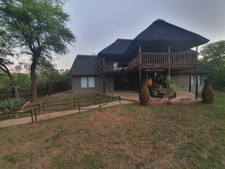 Thaba Lenong -Self catering Bushveld Home