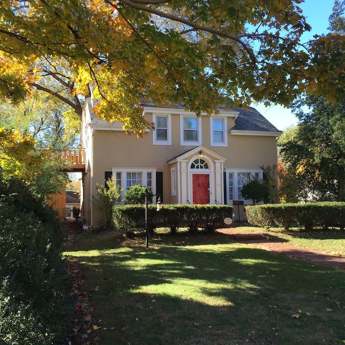 Homes For Rent: Fellini House, Springfield Rountree/MSU/Evangel.