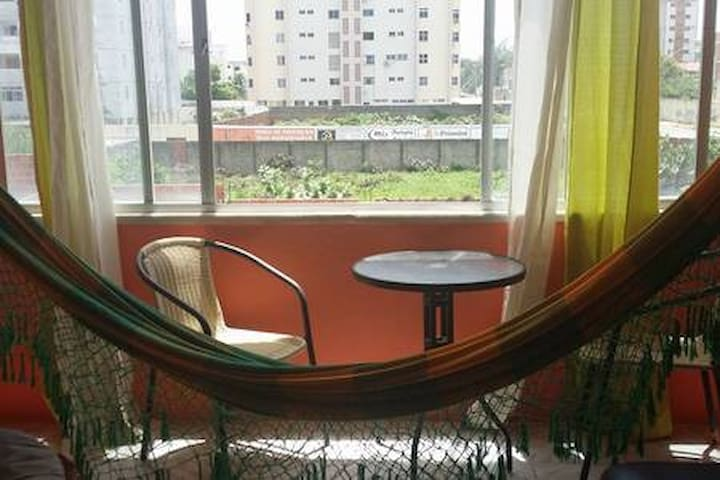 Apartamento simples, praieiro mas aconchegante.!!!