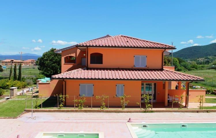 Villaggio Puntone, Studio with covered terrace