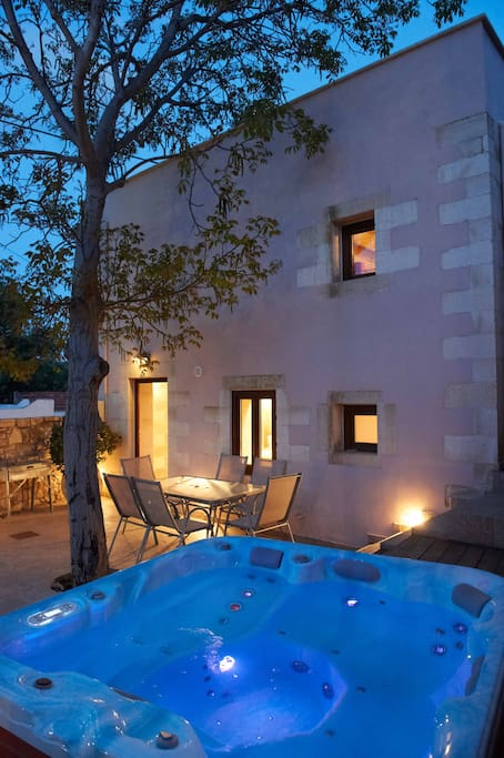 private courtyard with heated jacuzzi