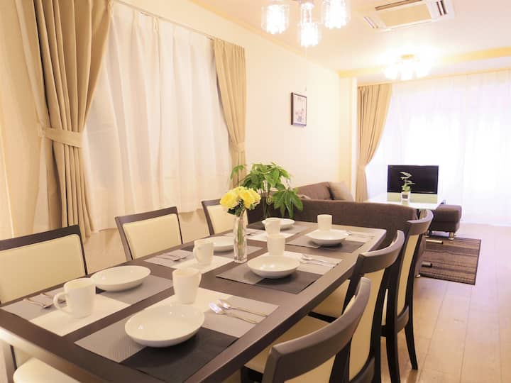 10Bed 4bed room★Near Namba,Dotonbori ,USJ 25min,