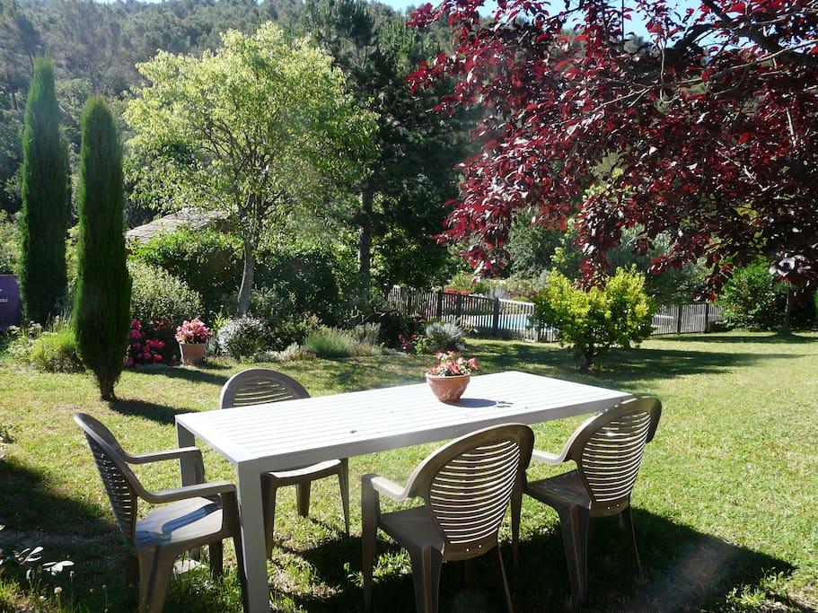 Coquet t2 calme piscine jardin maisons louer saint for Jardin louer 78