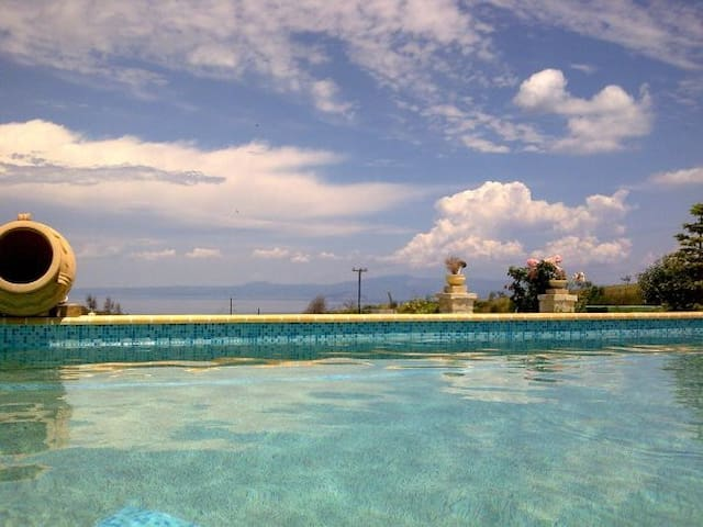 Villa with an amazing sea view #1 - Pefkochori - Apartmen