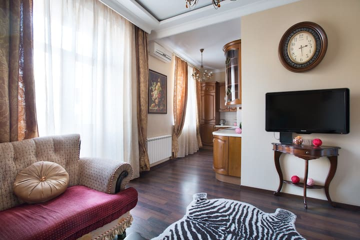 Fine two-room flat in the Tverskaya near subway
