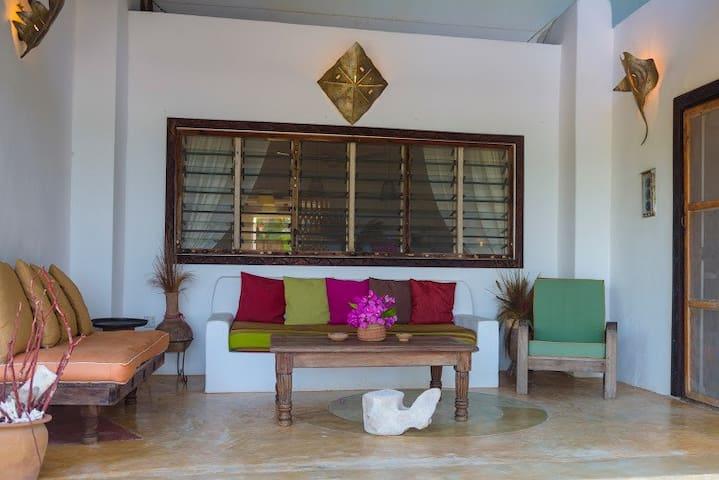 Kiwengwastyle Villa