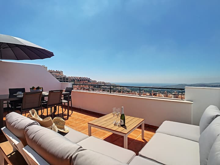 2268-Penthouse with terraces seaview