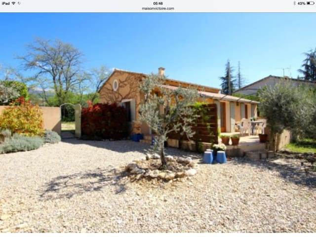 Provençal house with heated pool - Flassan - Hus