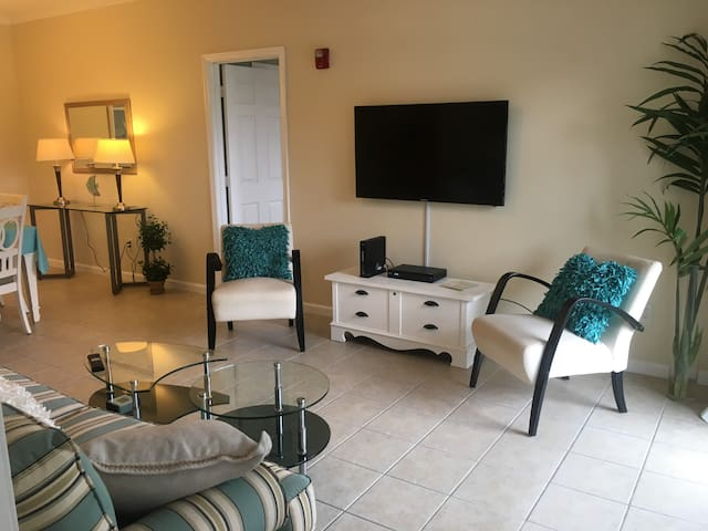 Rehoboth Beach Getaway Condo East of Route 1