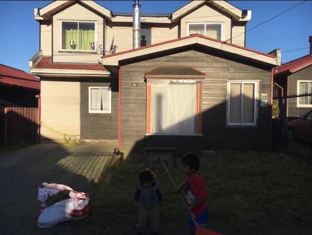 Casa por día Castro, desde 2 hasta 12 huéspedes.