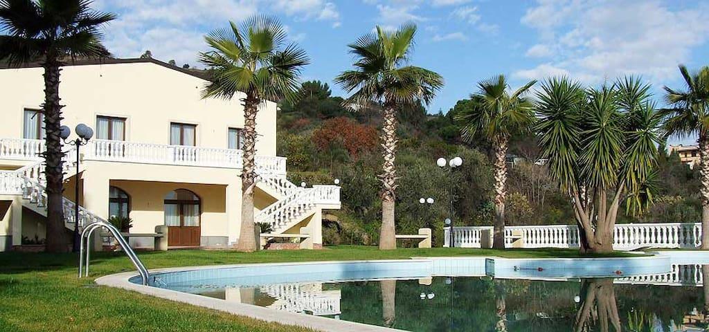 Taormina-Etna-Porto Salvo- Ore Felici Park