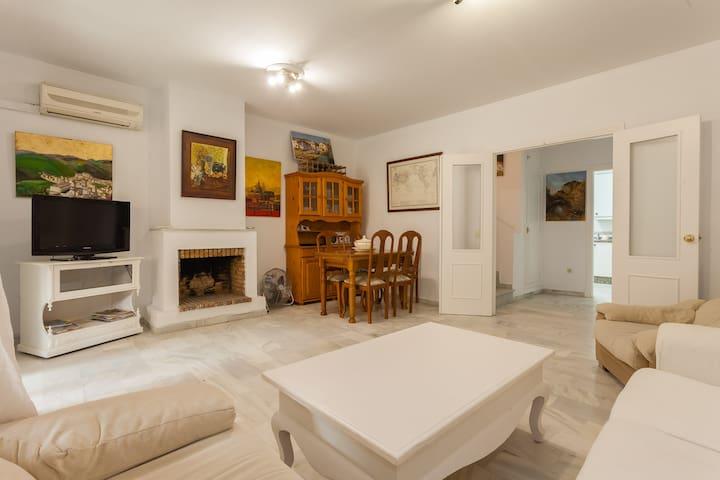 Casa climatizada con vistas, a 50m del océano.