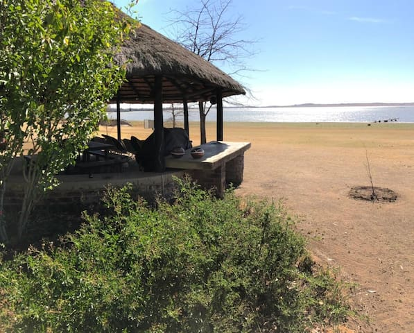 The RETREAT self catering accommodation-Vaal Dam 1