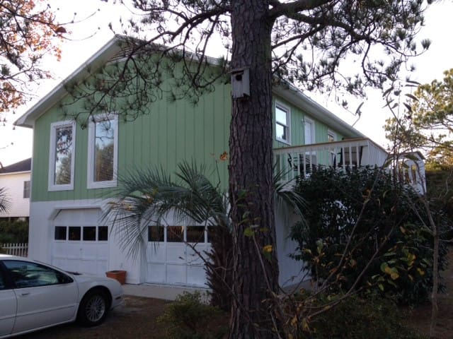 Fully Furnished Bd Ba Home Just Blocks From The Beach The Recreation Center