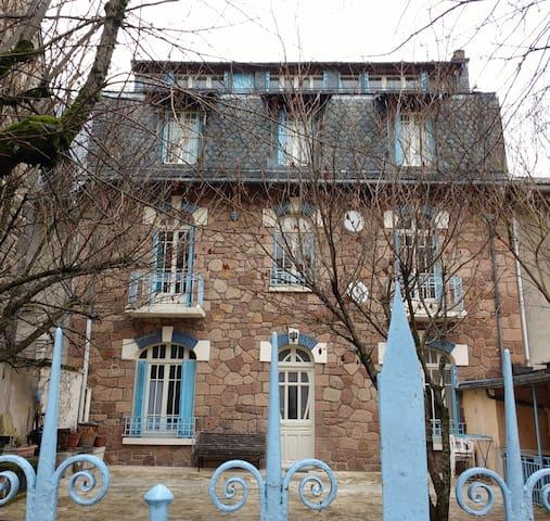 Appartement de 47m2 proche thermes et ski - La Bourboule - Wohnung