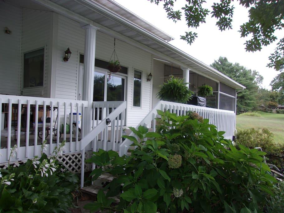 porches facing pond